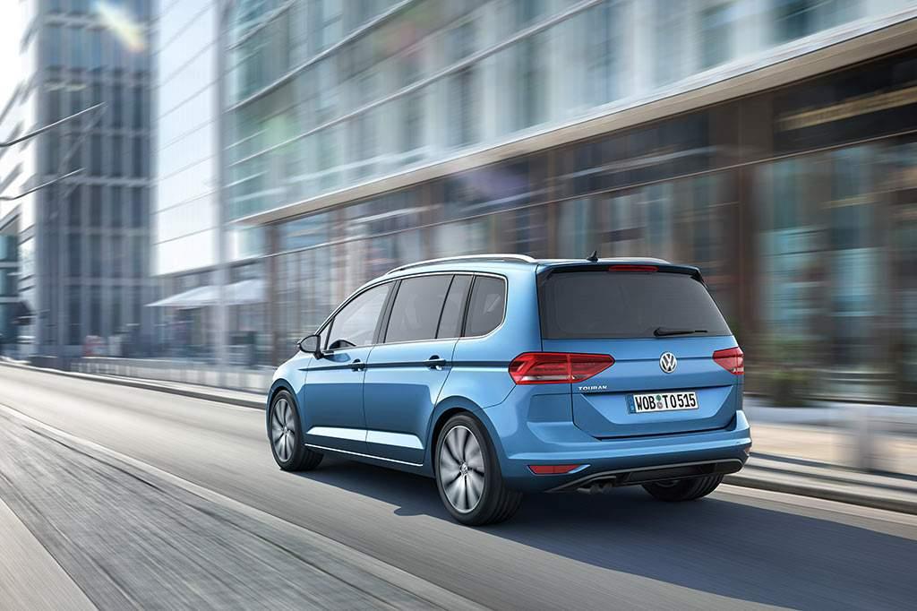 Volkswagen-Touran-2015-2
