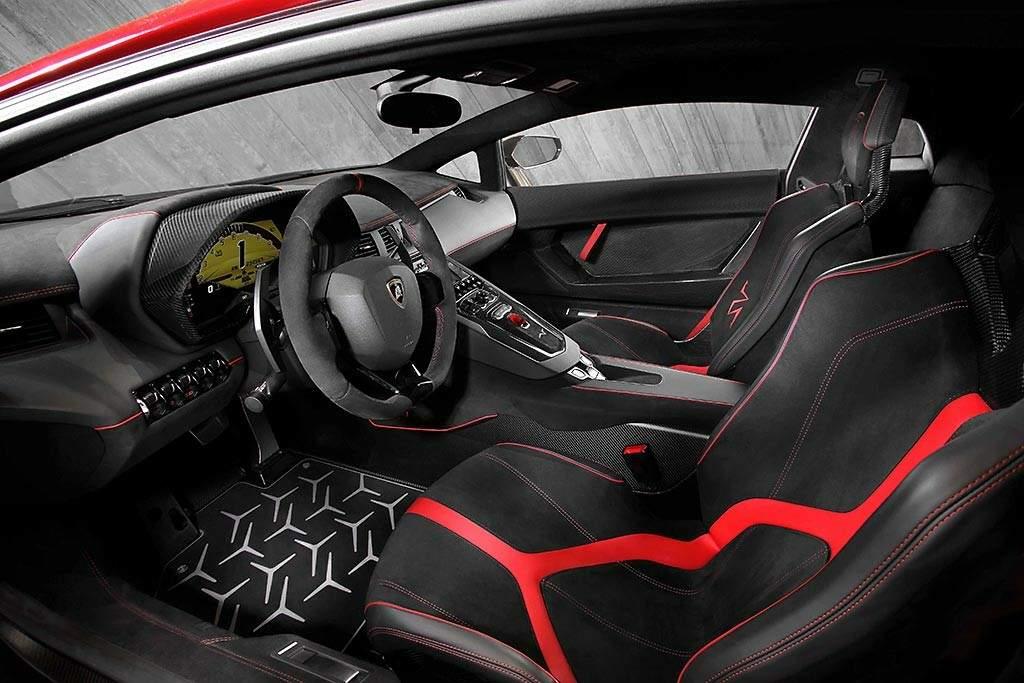 Lamborghini-Aventador-LP-750-4-Superveloce-Interior