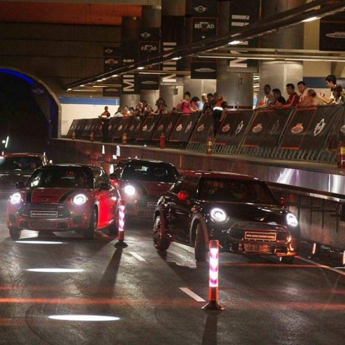 MINI convierte el metro de Madrid en un circuito