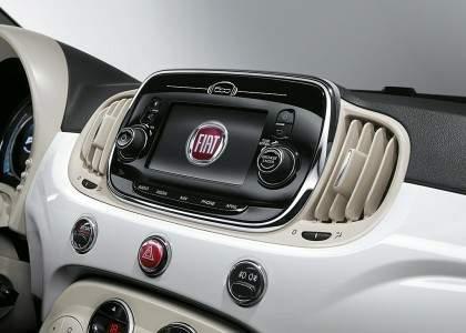 Fiat 500 2015-navegador