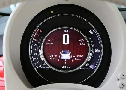 Fiat 500 2015-velocímetro