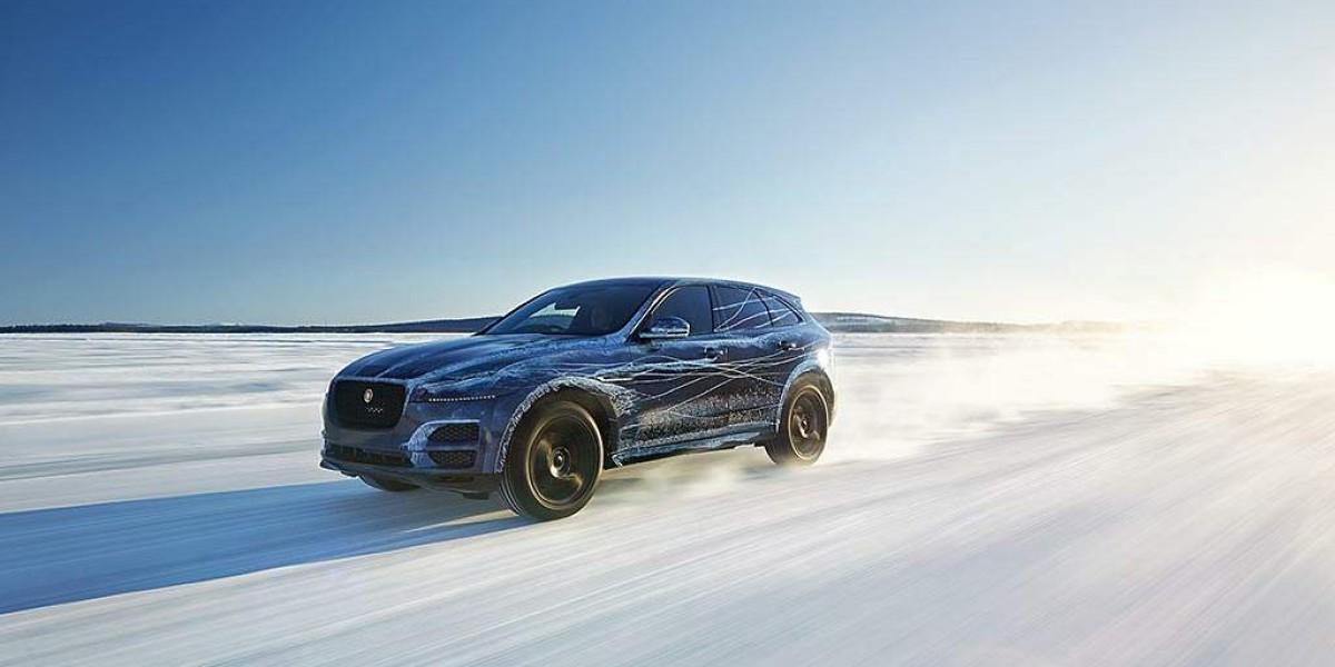 Jaguar F-PACE, probado en el desierto y en la nieve