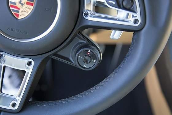 Porsche 911 2016-detalle volante