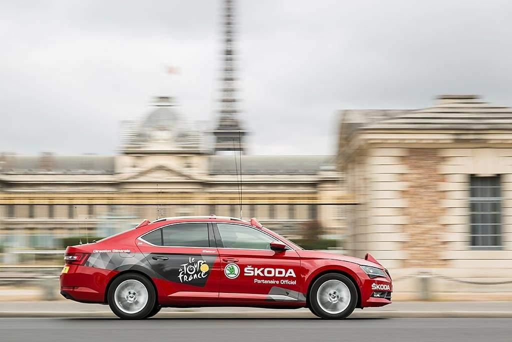 Skoda Superb en el Tour de Francia 2015-ARTÍCULO