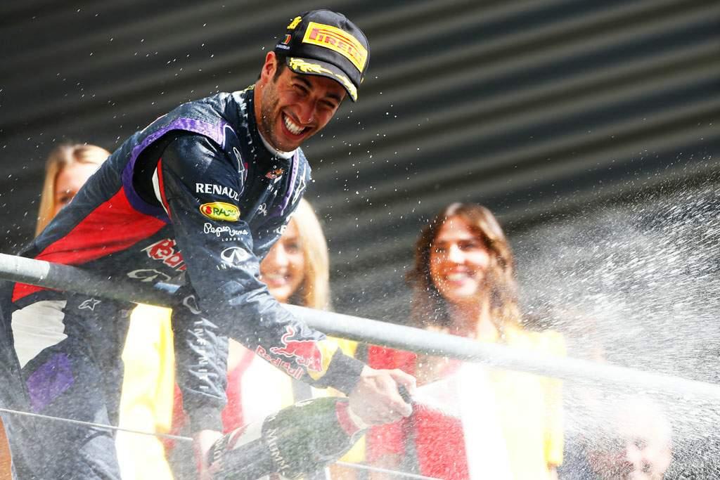 Daniel-Ricciardo-Red-Bull-Racing_02