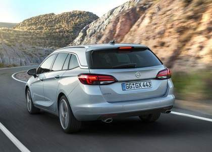 Opel-Astra-Sports-Tourer_2