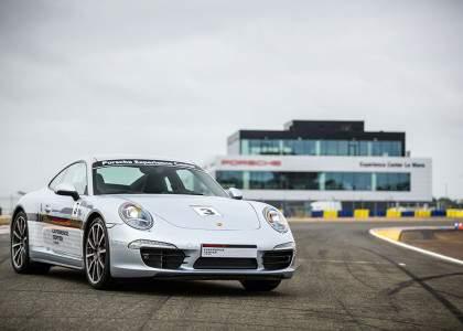 Porsche-Experience-Center-1