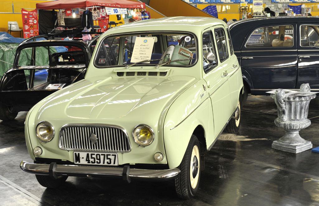 Renault 4 aparecido en el número 121 de COCHES CLÁSICOS y que pertenecería y restauraría Pablo Arango.