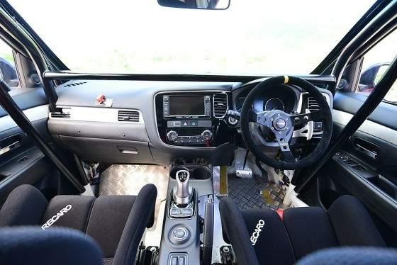 Mitsubishi Outlander PHEV_3