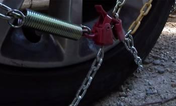 """¿Te pueden multar por no llevar las cadenas? (Además, la Guardia Civil te """"echa la bronca"""")"""