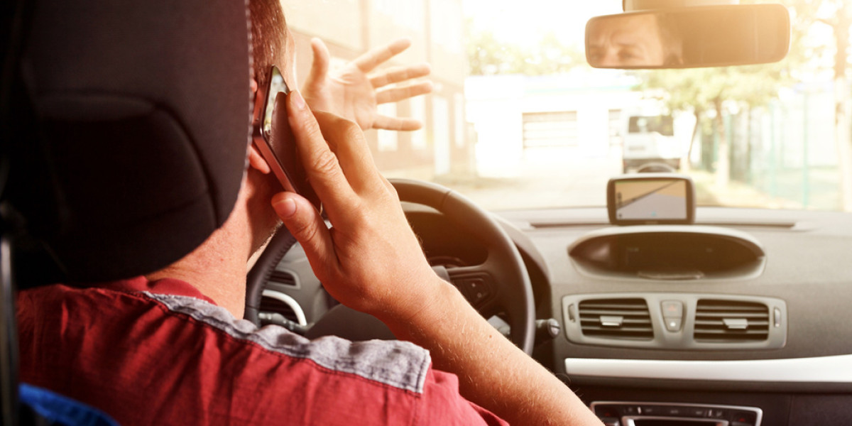 Evita las distracciones al volante