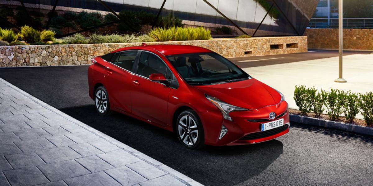 El nuevo Toyota Prius consume 3,0 litros cada 100 kilómetros