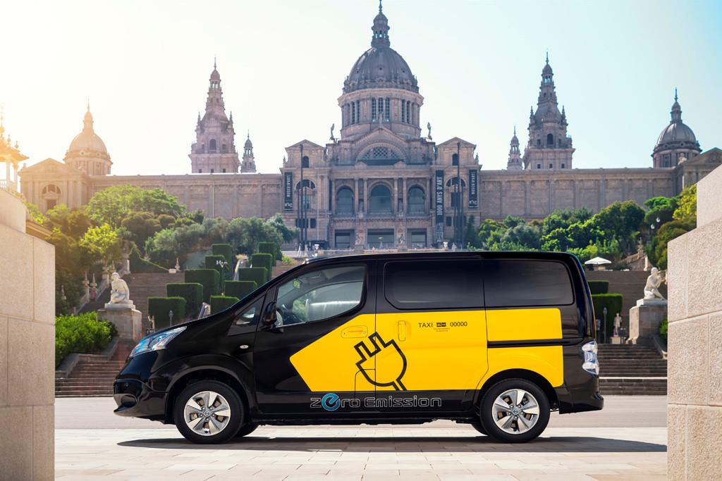 taxis-electricos-de-nissan-5