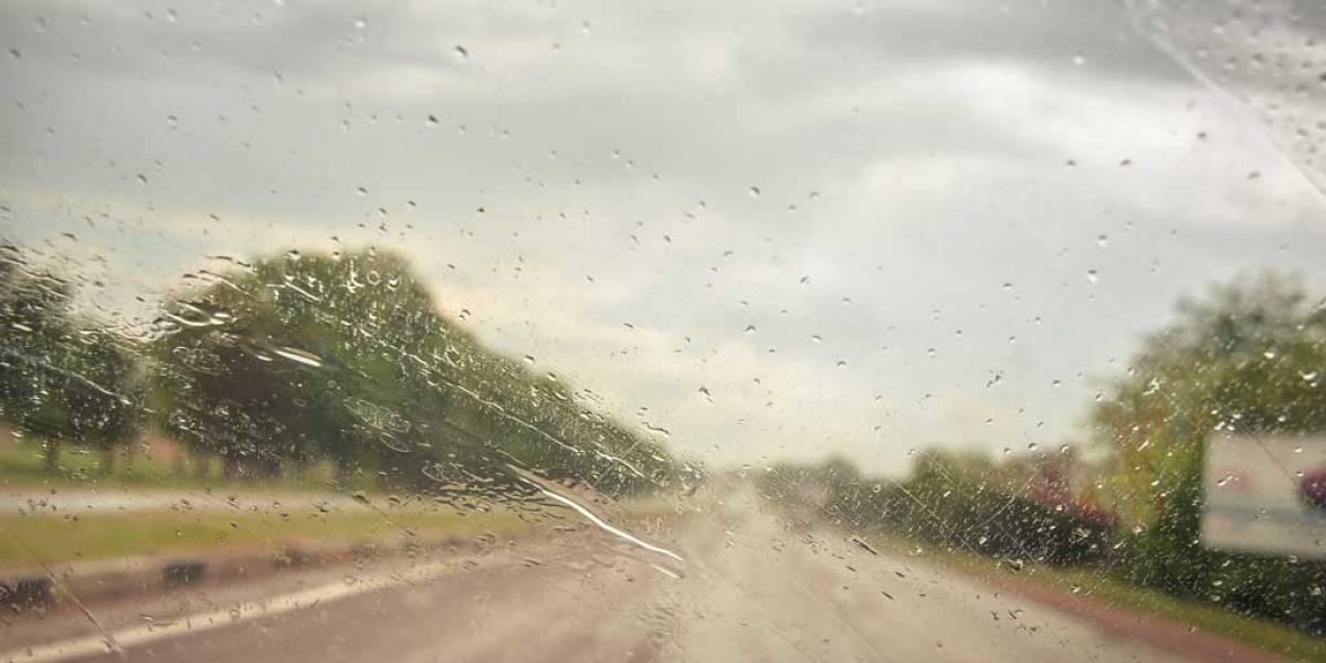 Vuelven las alertas por mal tiempo: trucos para conducir con lluvia, viento, nieve…