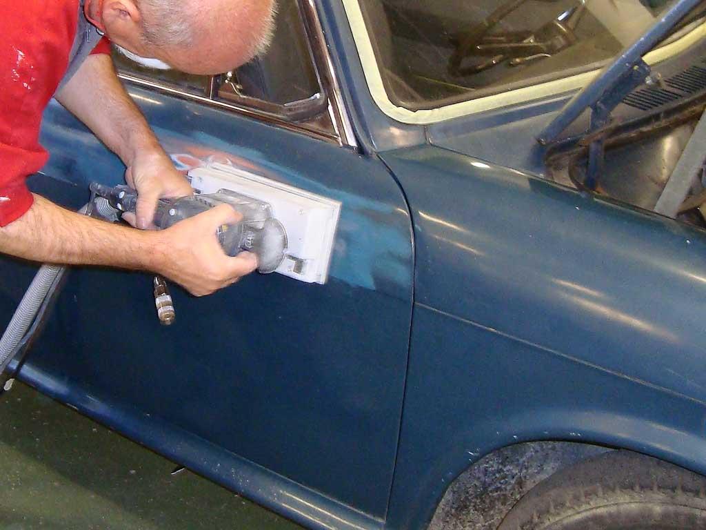 C mo restaurar la carrocer a de un coche cl sico - Mini clasico para restaurar ...