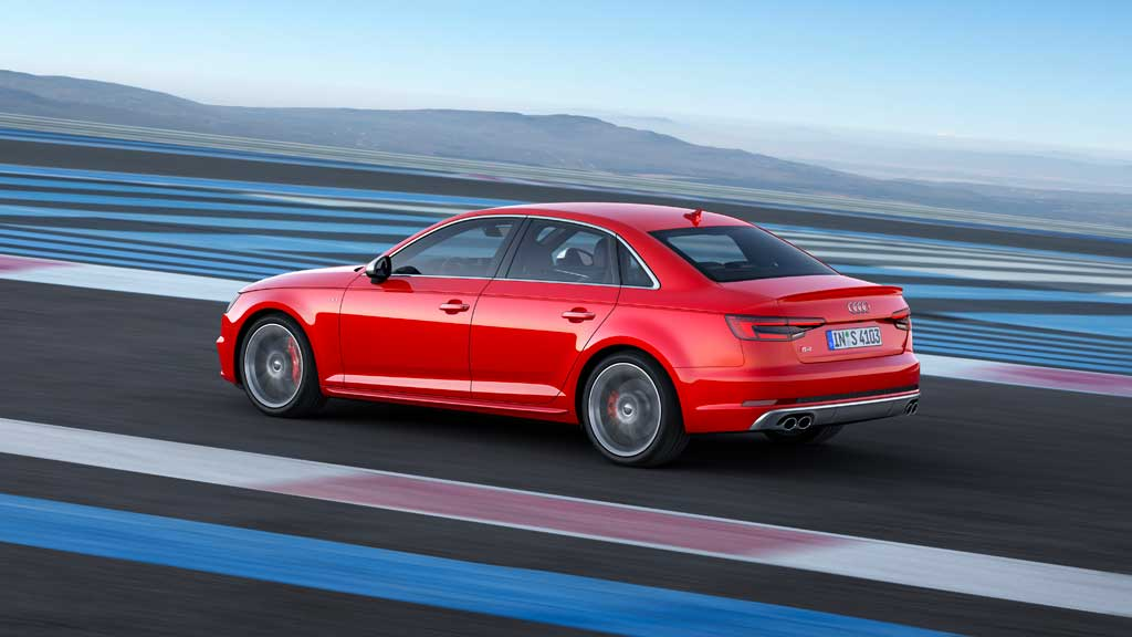 Audi S4 2016 trasera dinámica rojo