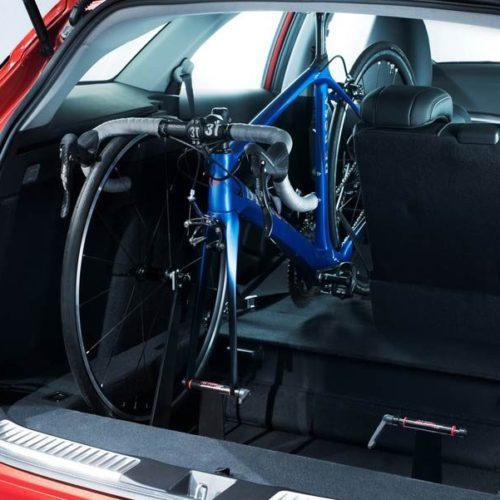 El Honda Civic Tourer incorporará en su interior un soporte para bicicletas