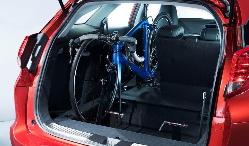 Bici dentro del coche Honda-Civic-Tourer-e1466520536311