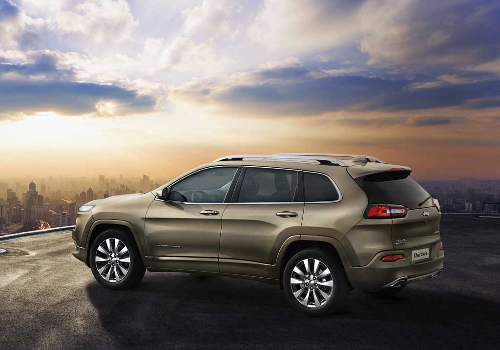 Jeep Cherokee Overland 2016 lateral estática