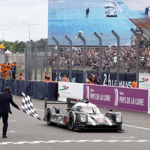 Porsche vence en las 24 Horas de Le Mans más crueles