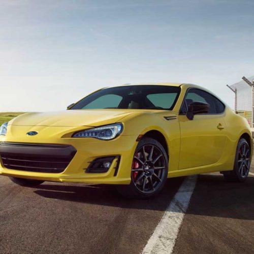 Subaru BRZ 2017, en amarillo, solo para Estados Unidos