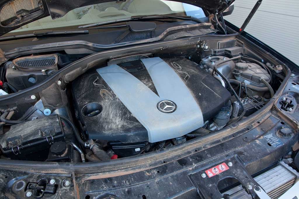 limpieza impecable del vano motor cosas de coches