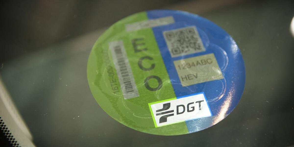 Ya no podrás circular por Madrid sin etiqueta medioambiental de la DGT