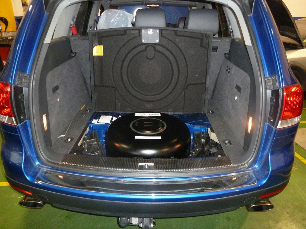 Depósito de GLP en hueco para la rueda de respuesto