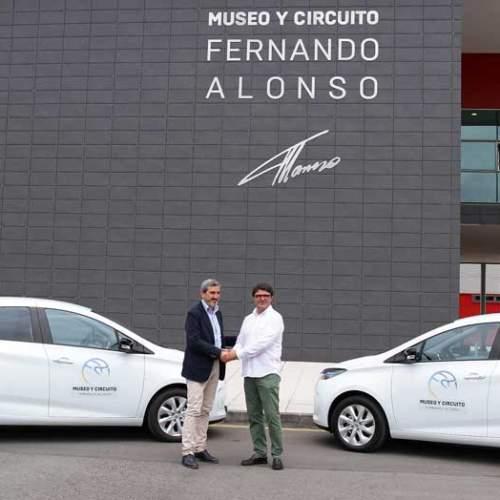 Renault cede dos ZOE a la Fundación Fernando Alonso