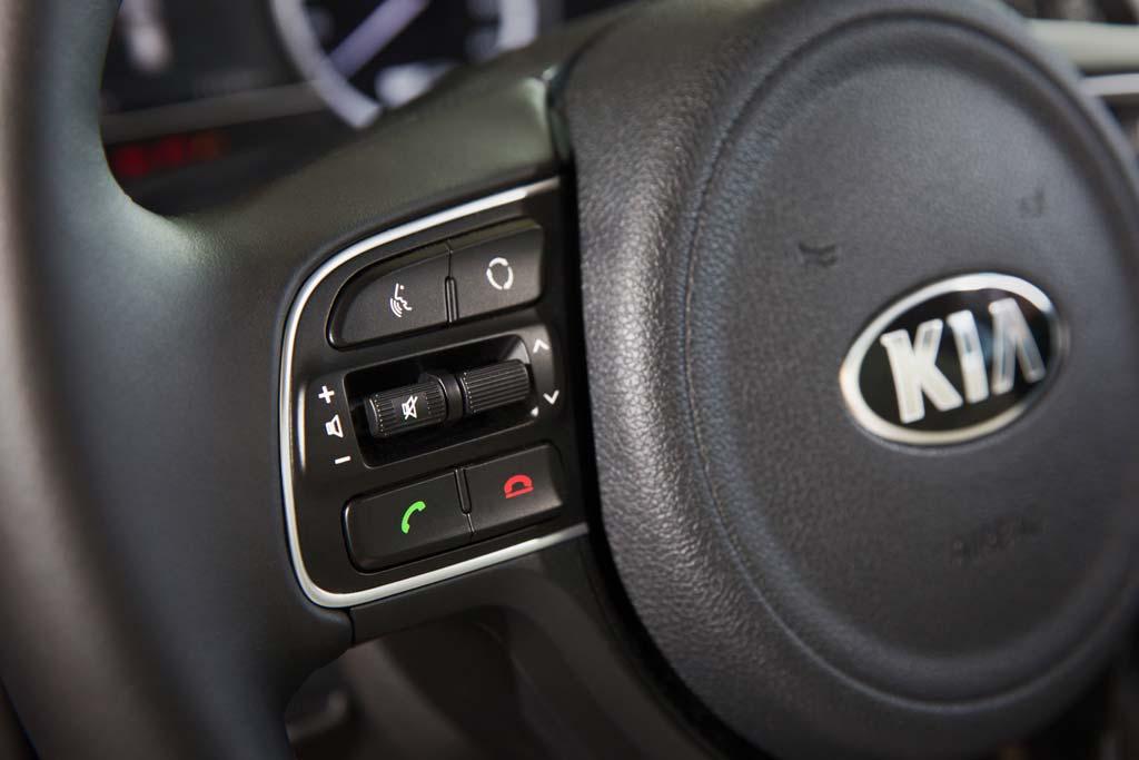 Prueba Kia Niro Hybrid volante