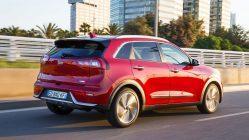 Prueba Kia Niro Hybrid trasera rojo