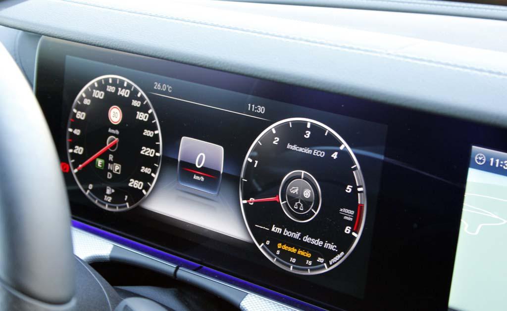 Prueba Mercedes E 220d 2016 cuadro de mandos
