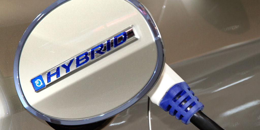 El mercado de híbridos y eléctricos continúa creciendo en el mercado del automóvil.