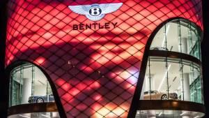 El concesionario más grande de Bentley, en Dubái (fotos)