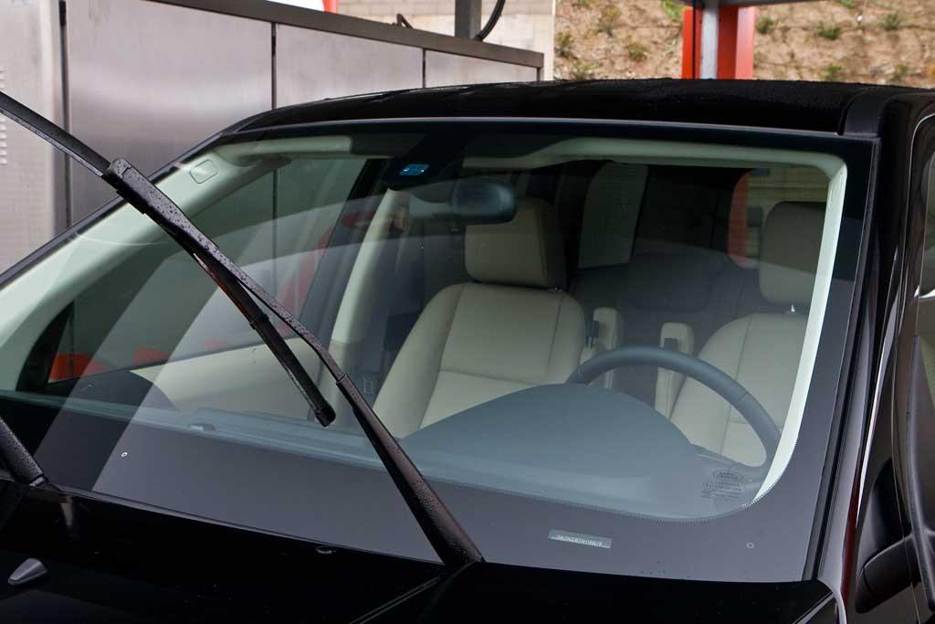 Deja perfectamente limpios los cristales de tu coche - Cristales limpios ...