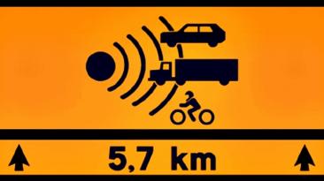 La nueva señal de tráfico advierte de los tramos de carretera especialmente peligrosos.