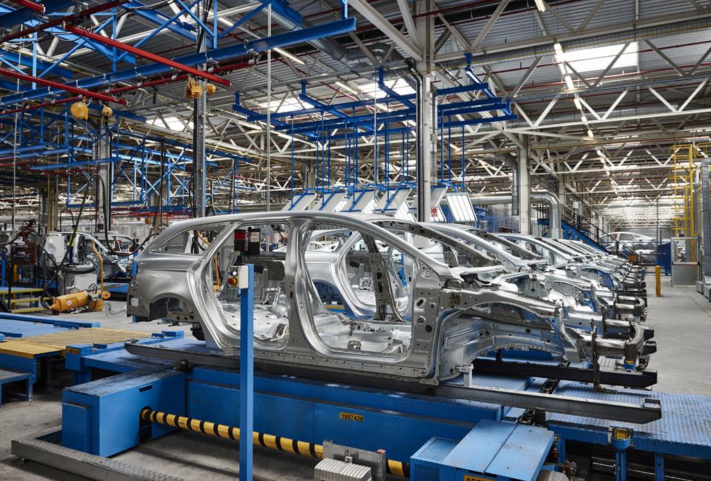 Fabricación de vehículos enero - agosto