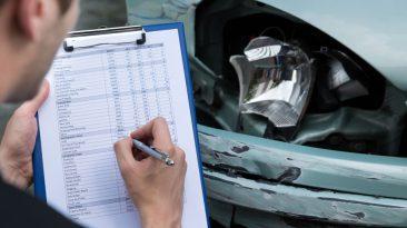 La DGT realizó las primeras ITV en las carreteras para detectar posibles averías en los vehículos.