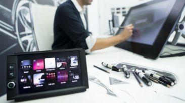 A finales de año, se calcula que habrá 30 personas diseñando las pantallas del salpicadero.