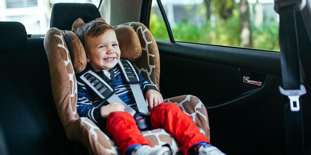 Cinturones flojos y sillas mal colocadas, los errores más frecuentes en la Seguridad Vial infantil.