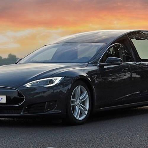 Descansa en… silencio, llega el Tesla Model S fúnebre