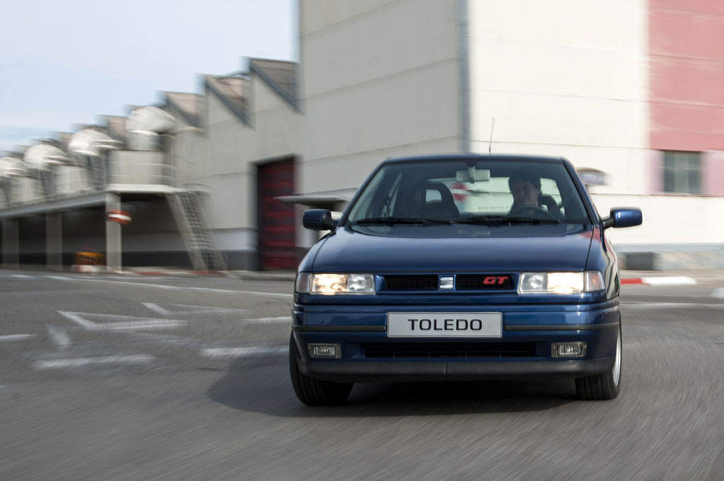 Curva SEAT Toledo I