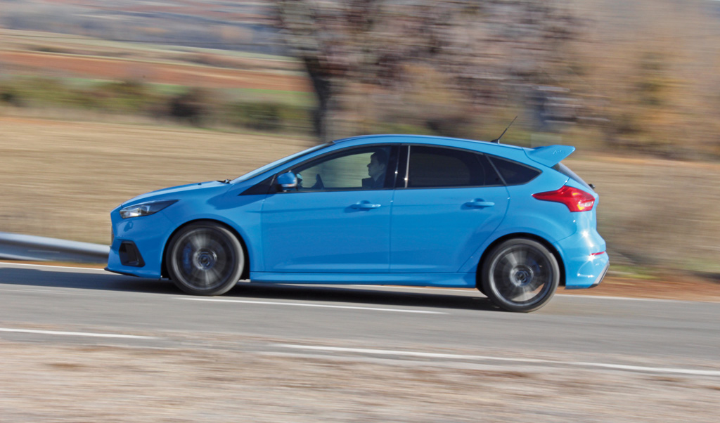 Ford Focus RS 2016 prueba lateral
