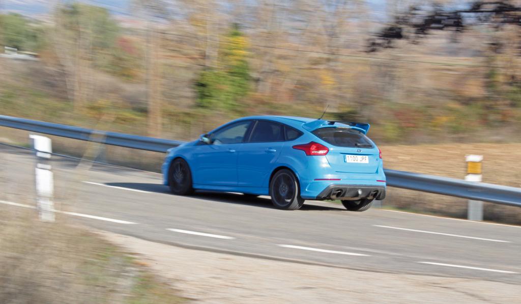 Ford Focus RS 2016 prueba trasera