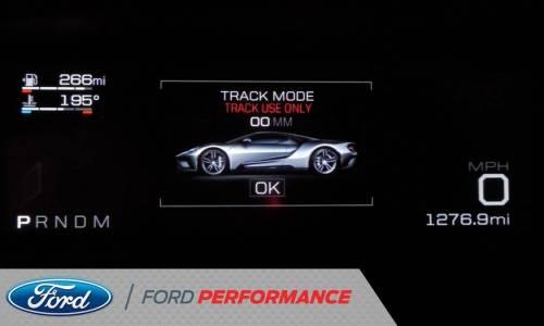 Sumérgete en el cuadro de mandos digital del nuevo Ford GT