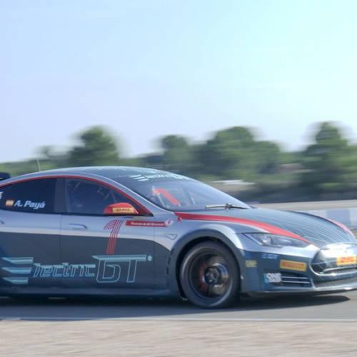 Este Tesla Model S de 785 CV es el futuro de las carreras