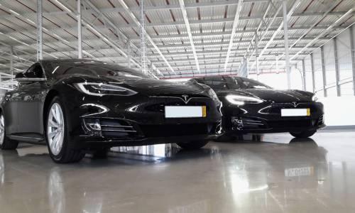 Los Tesla cuentan con conducción autónoma pero, ¿irán solos al taller?