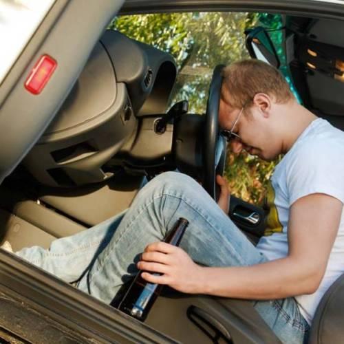 Los conductores reincidentes por alcohol y drogas podrían perder el carné