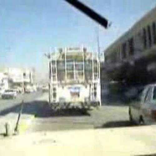 Conducir un Hummer H1 en Bagdad es todo un reto