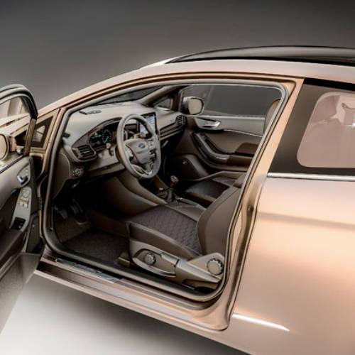 Ojo al interior del Ford Fiesta 2017